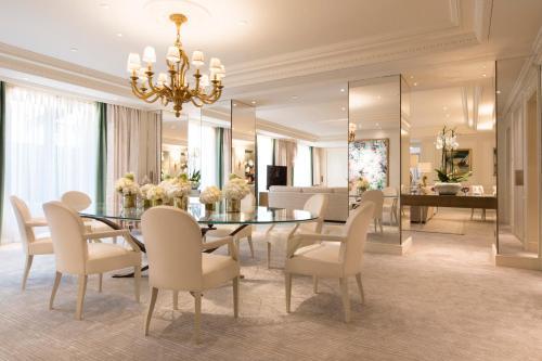 Four Seasons Hotel George V Paris photo 54