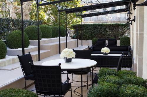 Four Seasons Hotel George V Paris photo 55