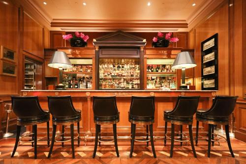 Four Seasons Hotel George V Paris photo 58