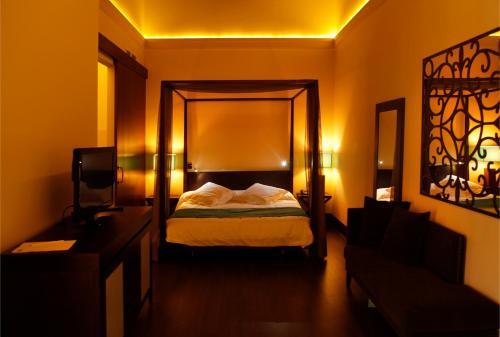 Suite Hotel Spa Martín el Humano 10