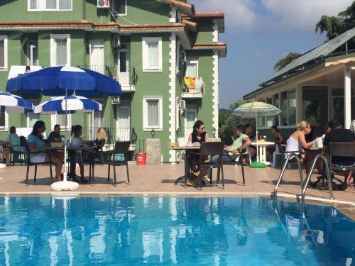 Фото отеля The Green Valley Hotel