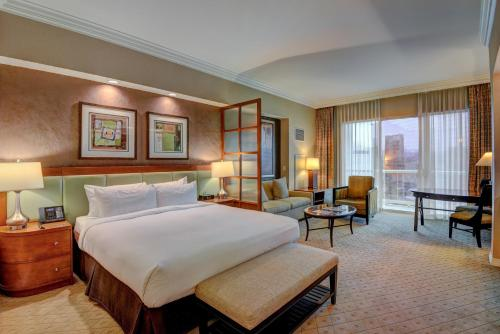 Penthouse Suite With Strip View At The Signature At Mgm Grand Las Vegas Price Address Reviews