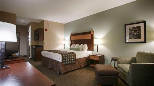 Best Western Plus Texarkana Inn And Suites - Texarkana, AR 71854