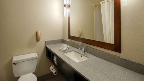 Best Western Inn & Suites Elkhart - Elkhart, IN 46514