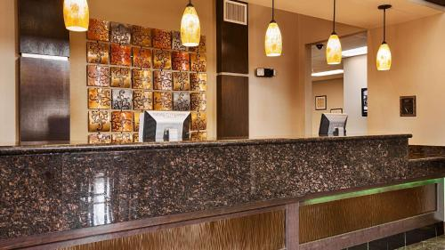Best Western Bayou Inn & Suites