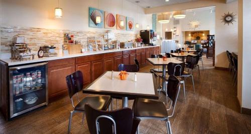 Best Western Oasis Inn And Suites - Joplin, MO 64804