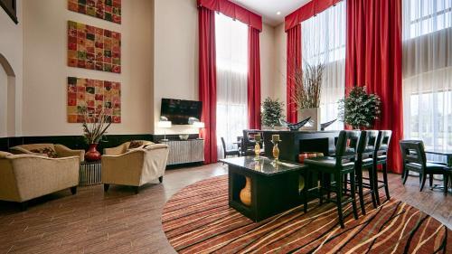 Best Western Plus Cushing Inn & Suites - Cushing, OK 74023