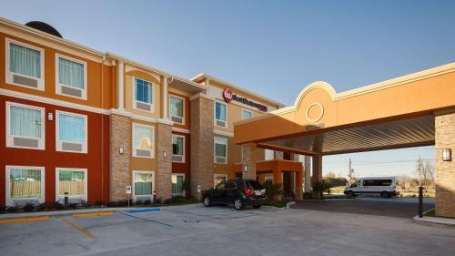 . Best Western Plus New Orleans Airport Hotel