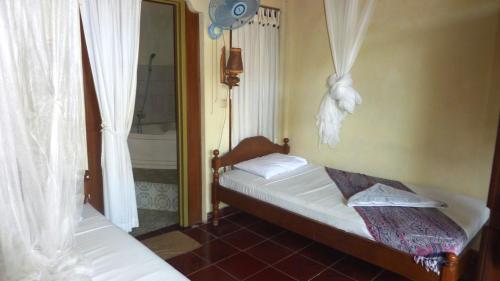 Amed Cafe & Hotel Kebun Wayan