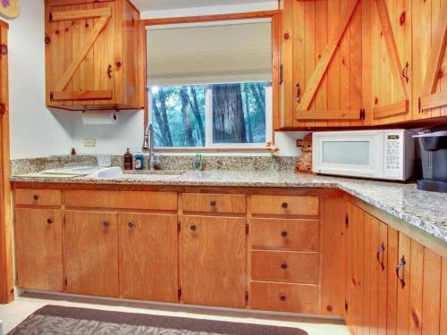 Getaway Cabin - Felton, CA 95018