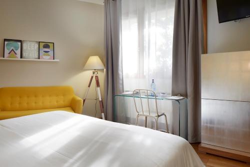 Doppel- oder Zweibettzimmer – Erdgeschoss mit Bergblick Hotel San Prudentzio 8