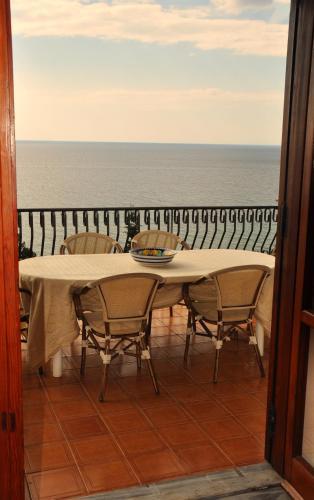 Villa Laura Sea View Apartments