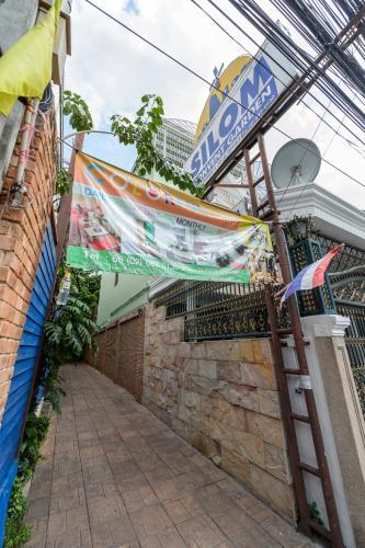 Silom Convent Garden photo 86