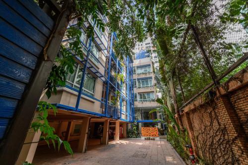 Silom Convent Garden impression
