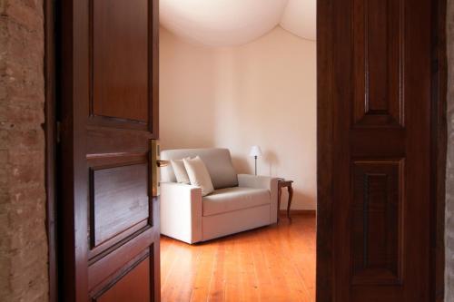 Zweibettzimmer mit eigenem Bad auf dem Gang Hotel Masia La Palma 13