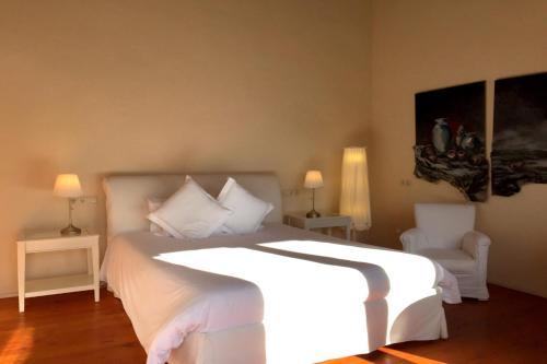Doppelzimmer mit Terrasse Hotel Masia La Palma 1