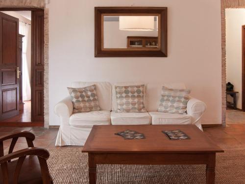 Zweibettzimmer mit eigenem Bad auf dem Gang Hotel Masia La Palma 16