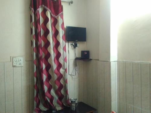 Safe and Cozy Stay in Chandni Chowk, West