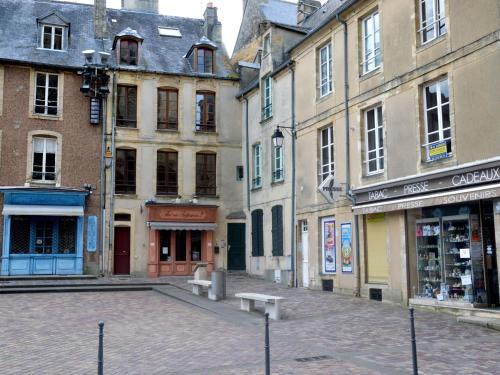 . Modern Apartment in Bayeux near Sea