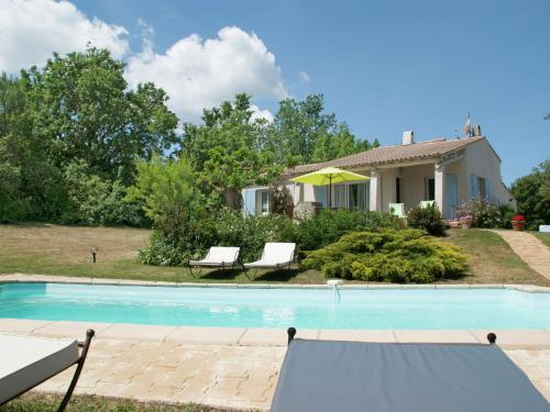 Rustic Villa with Swimming Pool at Cereste France