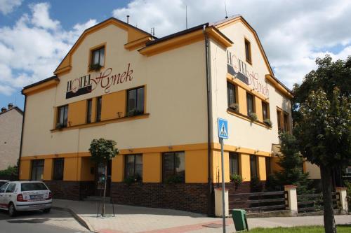 . Hotel Hynek