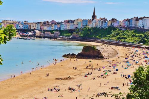 North Beach, Tenby SA70 8AP, Wales.