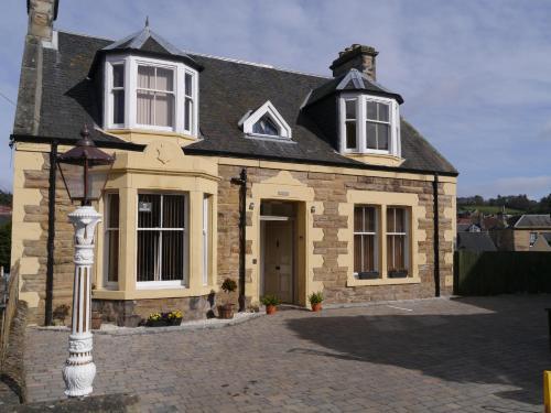 Brae Cottage, Cupar