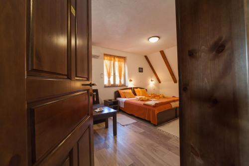 Guest House Rustico - Hotel - Korenica