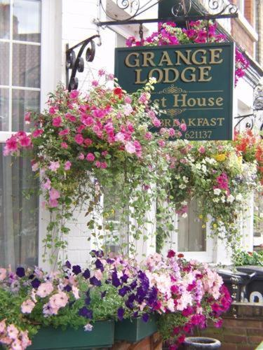 Grange Lodge (Bed and Breakfast)