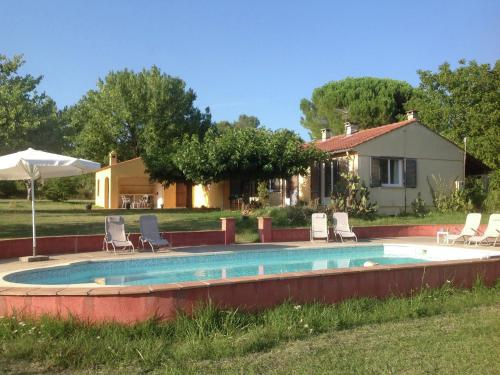 . Pleasant Holiday Home in Villecroze with Swimming Pool