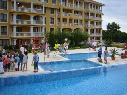 Byala Palace Apartments, Byala