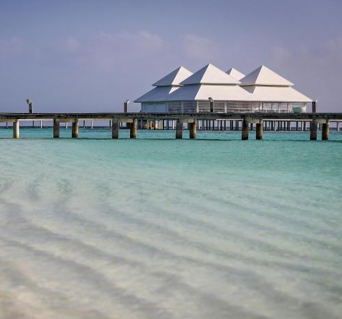 Diamonds Thudufushi Beach and Water Villas Hotel Review