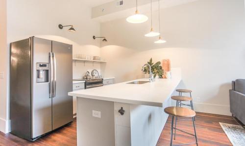 The Grant - One-Bedroom Broughton Street (205B)