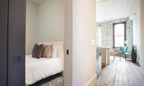 The Grant - One-Bedroom Broughton Street (303A)