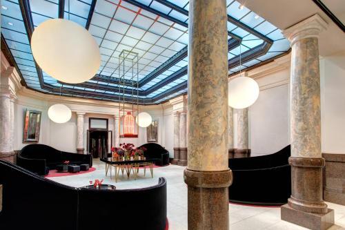 Rocco Forte Hotel De Rome - Photo 4 of 49