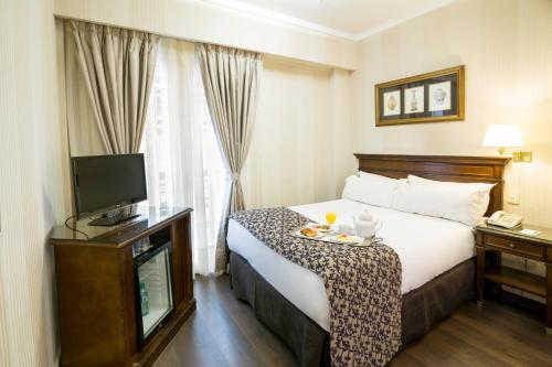 Claridge Hotel photo 14