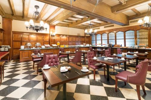Claridge Hotel photo 45