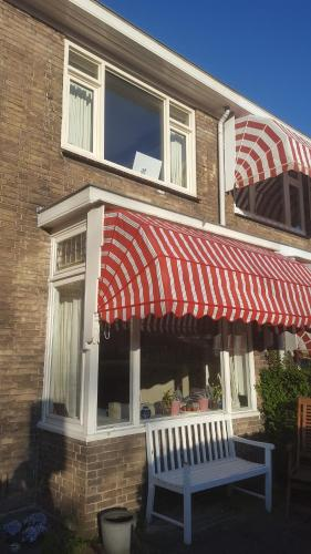 Charming Family Home, Pension in Delft