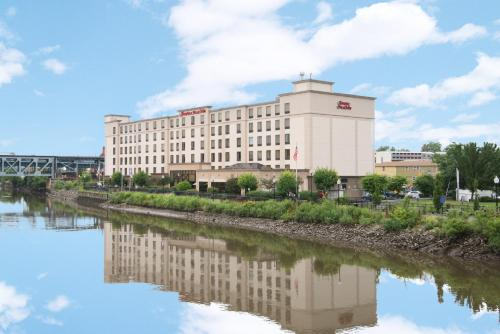 Hampton Inn & Suites Newark-Harrison-Riverwalk in Harrison