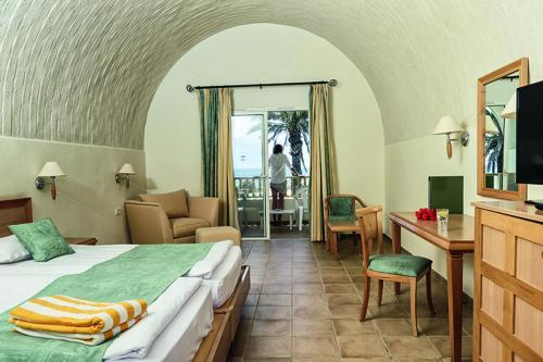 SunConnect Delfino Beach Resort And Spa