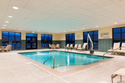 Hampton Inn & Suites Manchester - Manchester, CT 06042
