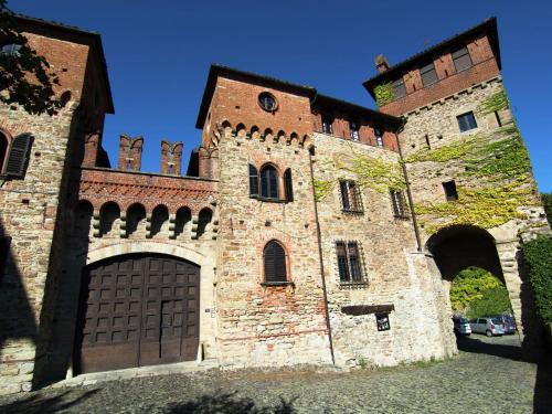 . Historic Castle in Tagliolo Monferrato Amidst Vineyards