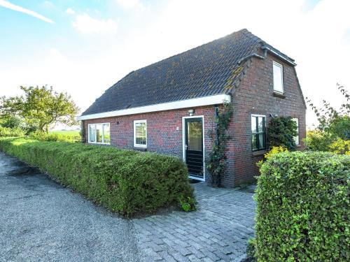 . Peaceful Holiday Home in Finsterwolde with Barbecue
