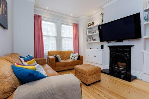 Veeve - Wimbledon Family Home for 6 a London