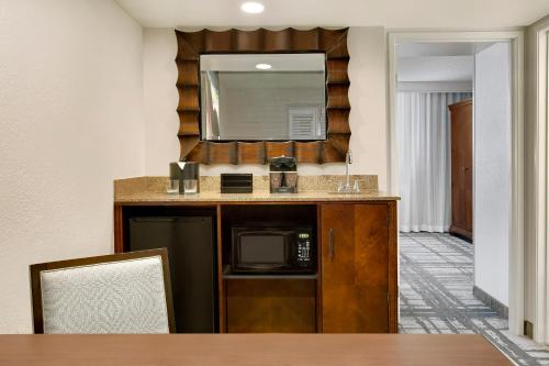 Embassy Suites by Hilton Orlando International Drive Convention Center photo 14