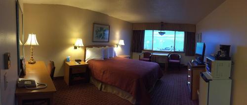 Photo - Port Angeles Inn