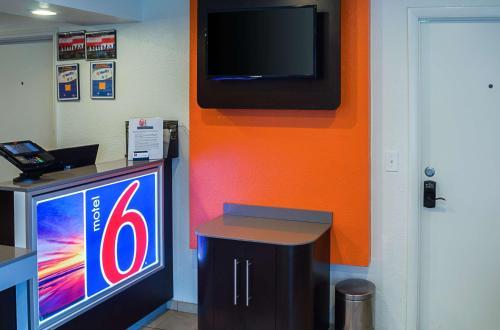 Motel 6-Charleston SC - South - Charleston, SC SC 29407