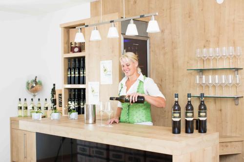 Weingut-Gastezimmer UHL, Leibnitz