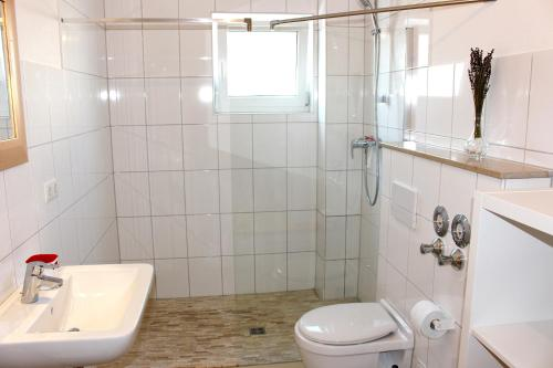 Huoneisto - Jaettu kylpyhuone (Apartment With Shared Bathroom)