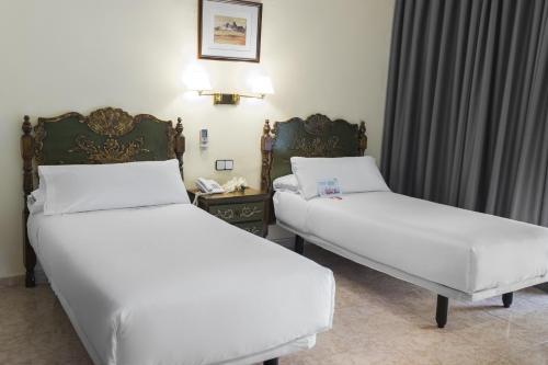 Mesón Castilla Atiram Hotels photo 19